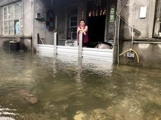 屏東林邊枋寮大雨 民宅積水道路封閉