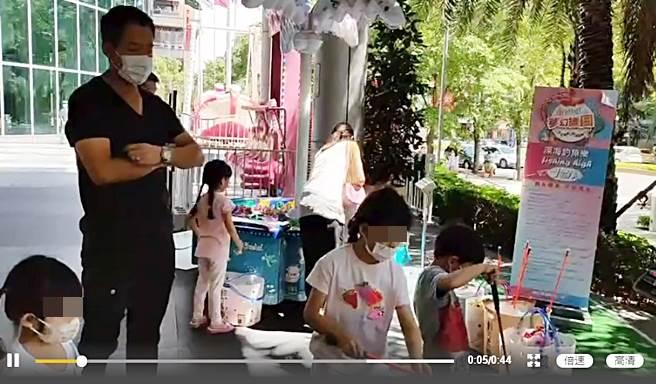 張蘭分享汪小菲顧娃影片。(圖/翻攝自張蘭俏江南創始人微博)