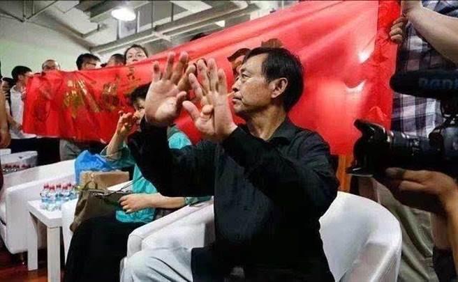 太極大師馬保國曾狂言中國武術比MMA強,卻在30秒內遭業餘拳手KO (圖/翻攝自搜狐新聞)