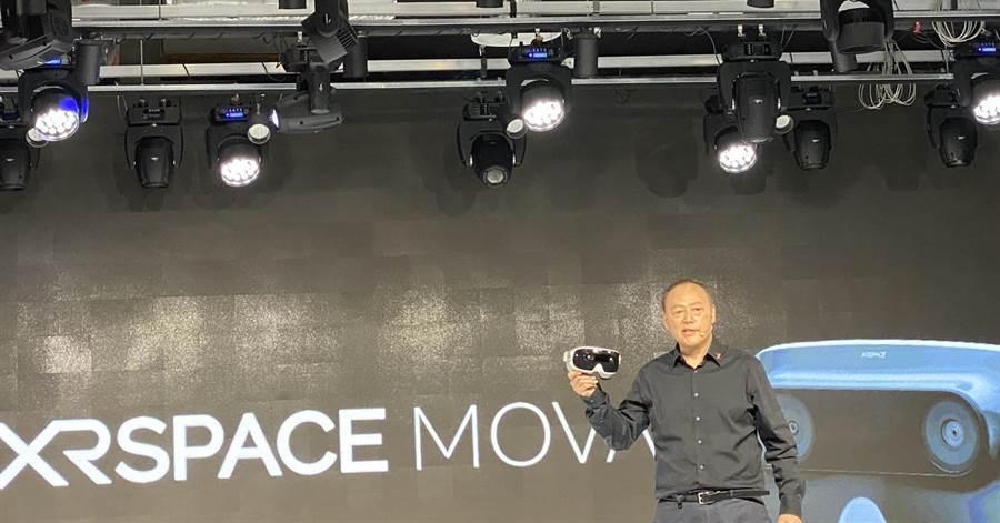 周永明一手打造XRSPACE,推出首款VR一體機裝置。(圖/王逸芯攝)