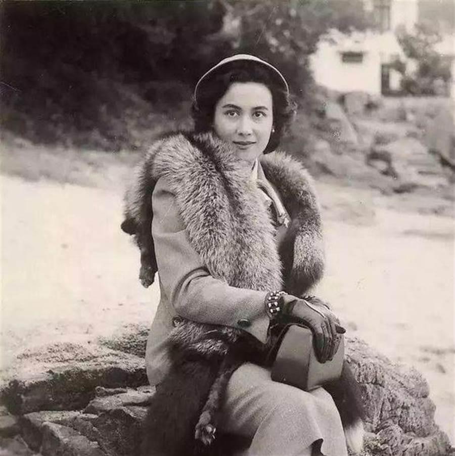 葡萄牙裔的黎婉華,有「澳門街第一美人」之稱,何鴻燊一生摯愛、也是最美的妻子。(網路照片)