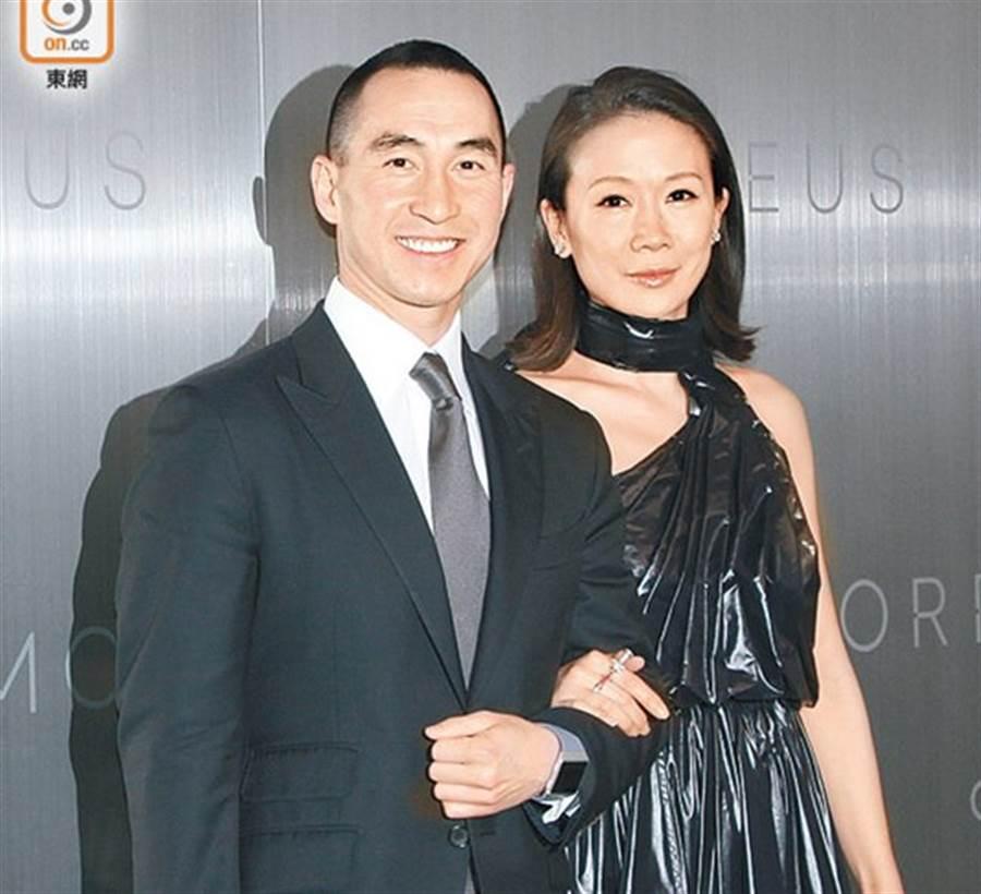 何猷龍與老婆羅秀茵是豪門恩愛夫妻。(取自東網)