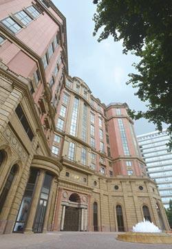 首家台北國際級飯店撐不住了… 台北文華東方暫停住房 裁員逾200人