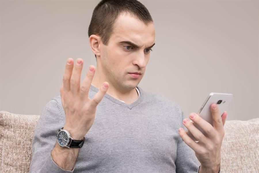 有時會接到「響一聲,就掛斷」的來電,這種也是詐騙電話嗎?網曝真正用途。(圖/Shutterstock)