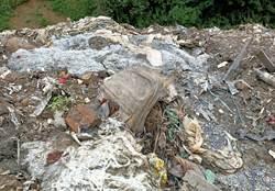 大雨沖出新莊十八份坑溪恐致癌垃圾 中央推給地方