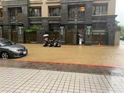 雨用倒的!午後雷陣雨發威 北市文山區多處積水