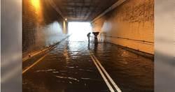 雨彈狂炸新北!新店地下道水淹膝蓋
