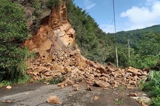 大雨加地震!埔里觀音生態步道坍塌