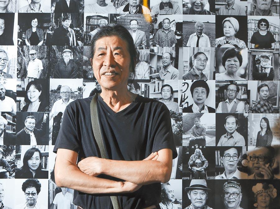 攝影家潘小俠出版攝影集「台灣作家一百年」,希望藉此向台灣前輩作家致最高敬意。(趙雙傑攝)