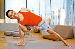 郭子一三五當瑜伽老師