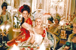 ④《凡爾賽拜金女》巴洛克式宮廷風(2006)