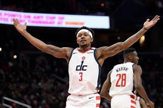 NBA》湖人與籃網盼補強戰力 目標鎖定巫師畢爾