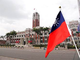 臺灣政府組織改造的檢討與反省