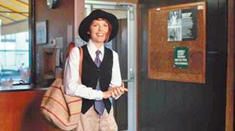 ⑧《安妮霍爾》男裝女穿領風潮(1977)
