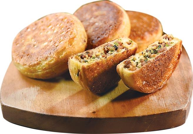 〈台灣黑豚餡餅〉是〈Orchid蘭〉夏季新菜單的亮點之一,餅餡是黑豬肉骨邊肉與韭菜做成。圖/姚舜