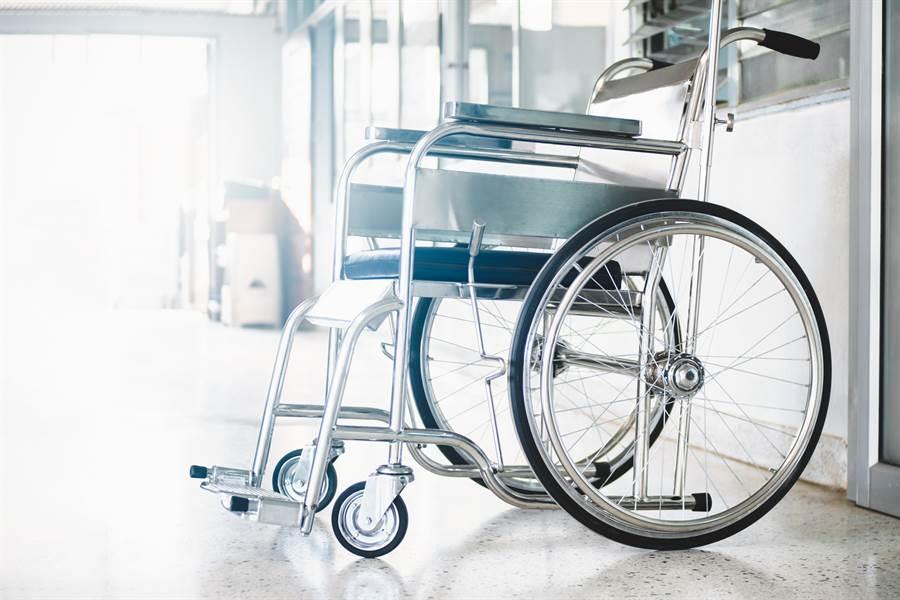 主人才病逝…輪椅半夜詭滑行 目擊者嚇歪(示意圖/達志影像)