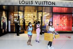 美示威者闖入購物中心 iPhone、LV名牌包拿了就跑