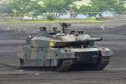 日本展示最新10式戰車