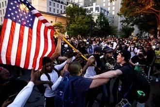 全美示威失控!洛杉磯等25城實施宵禁 8州求國民兵進駐