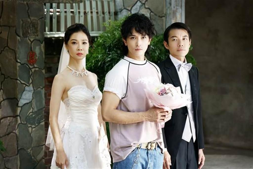 謝盈萱、邱澤、阿山《誰先愛上他的》劇照。(Netflix提供)