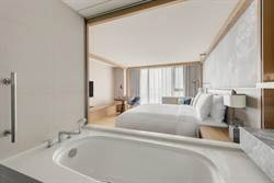 台北中山希爾頓逸林酒店推「酒池逸林」住房專案 每房3,299元