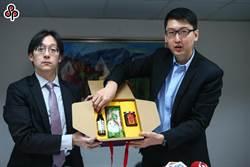 誣指送紅酒禮盒 連勝文怒告媒體求償百萬