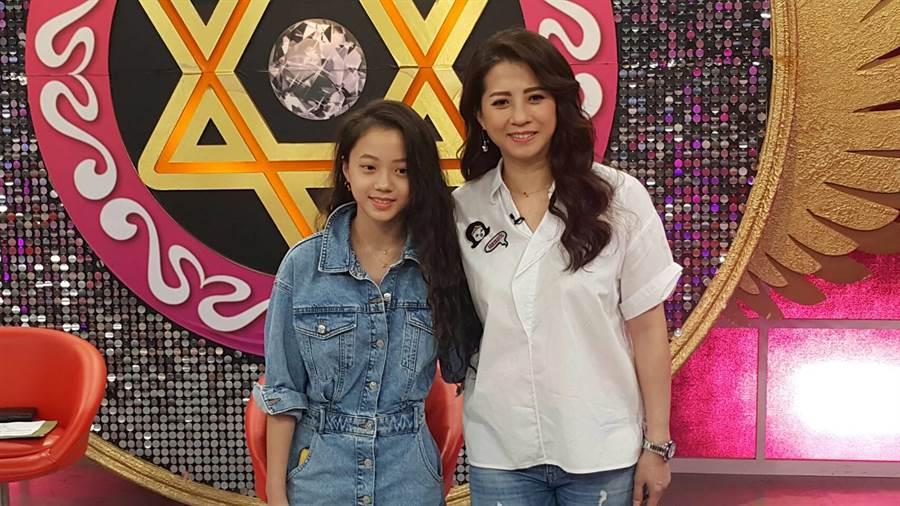 郭靜純與女兒Mina開心合照。(吳維書攝〉
