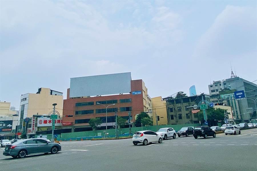 大通地產整合逾6年的西區新案位在台中市台灣大道與五權路口,為台中市最精華的地段。/圖業者提供)