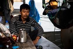 「宜蘭最速男」為戲蓄鬍曬黑 扛漁網演活移工