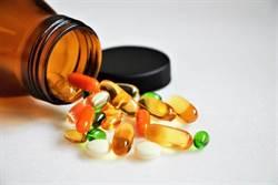 維生素A吃太多中毒?3症狀要當心
