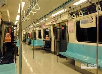 北捷板南線列車飄燒焦味 750旅客被趕下車