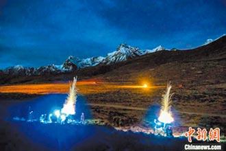 威嚇!解放軍西藏夜戰軍演