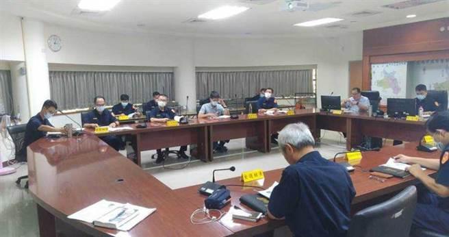 台南市警察局新化分局召开重大风纪案件检讨暨专案风纪评估委员会议。(图/中国时报刘秀芬)