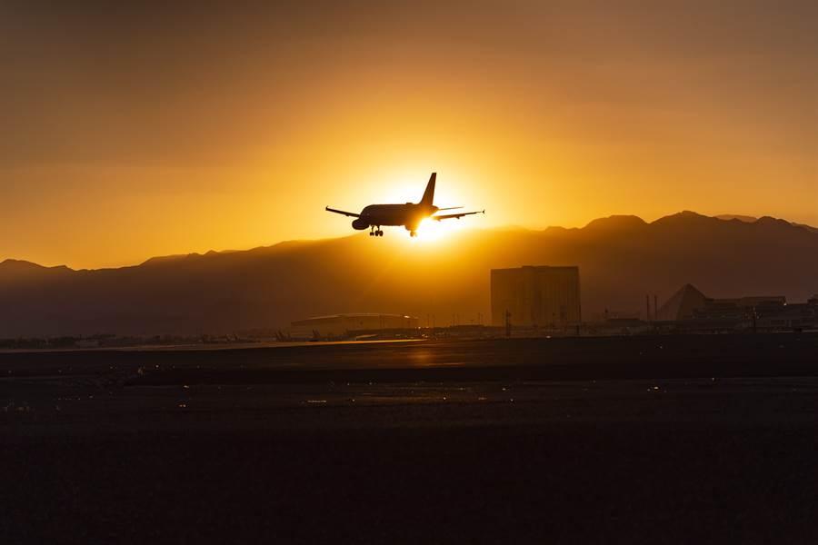 國際航空運輸協會表示,4月可望就是航空業的谷底,將迎來復甦。(圖/美聯社)