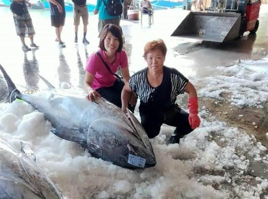 台東黑鮪魚將外銷香港。(阿春新鮮魚貨提供/楊漢聲台東傳真)