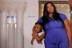 嘻哈歌手肯伊威斯特豪捐5900萬 佛洛伊德6歲女:爸爸改變了世界