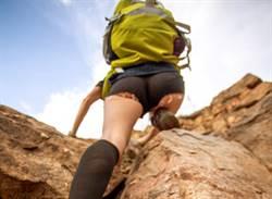 孕婦爬山羊水破!天兵尪鼓勵繼續爬 下秒寶寶滑出