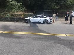 千萬BMW超跑北宜自撞 駕駛挫傷車頭全毀