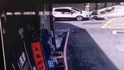 毒蟲拒檢開車追撞  員警下半身嚴重骨折開刀救治