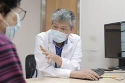 婦咳嗽、發燒衍發急性呼吸窘迫症 葉克膜拉出鬼門關