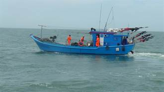 疫情緩解 馬祖海巡查扣今年首艘越界捕魚陸船