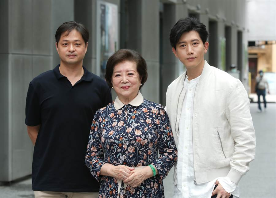 鄭有傑(左起)、陳淑芳、莫子儀今一同出席記者會聊電影。(吳松翰攝)