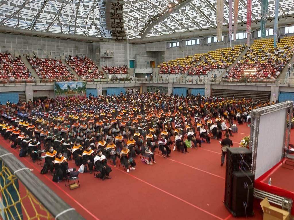 台大畢業典禮現場。(李侑珊攝)
