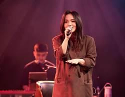 徐佳瑩處女秀沒觀眾仍喊「手牽手」