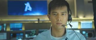 李現《中國機長》一幕即興神演技 讓導演跪伏讚嘆