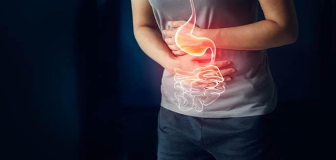 台灣本土研究發現,憂鬱症會增加2到3倍消化潰瘍的發生風險。(達志影像/shuttersock)