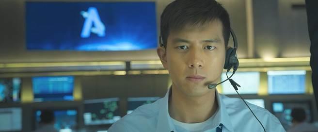 男神李現演出電影《中國機長》,引發90後年輕人熱潮。(friDay影音提供)