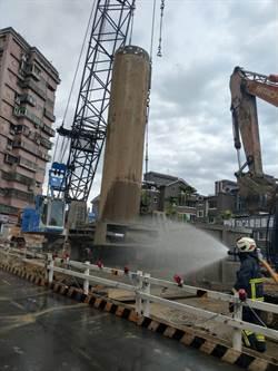 安坑輕軌施工不慎 挖斷瓦斯管線