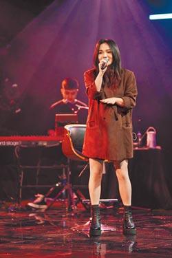 徐佳瑩隔螢幕邀歌迷大合唱