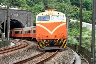 台鐵電車故障!鳳山-九曲堂南下、北上列車延誤